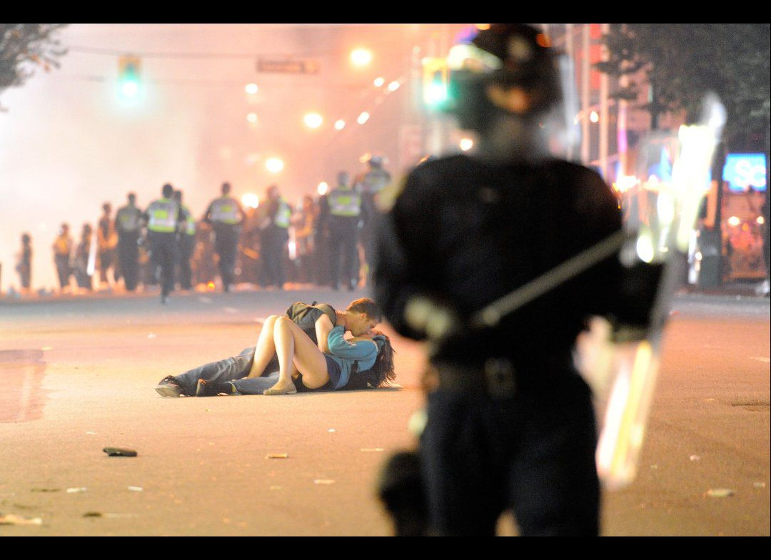 *Kiss in the riot of Vancouver:Rich Lam的戰亂小佳人 1