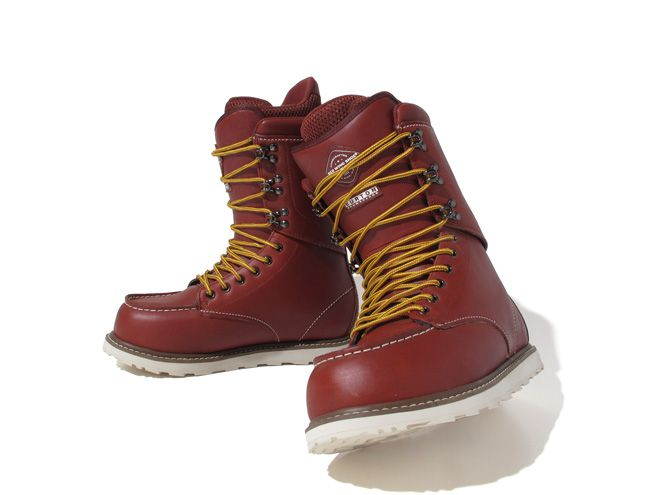 *雪靴 X 工作靴:BURTON X RED WING 1