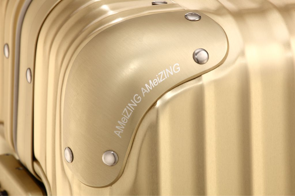*RIMOWA for AMeiZING :張惠妹Toaps Gold 版本! 5