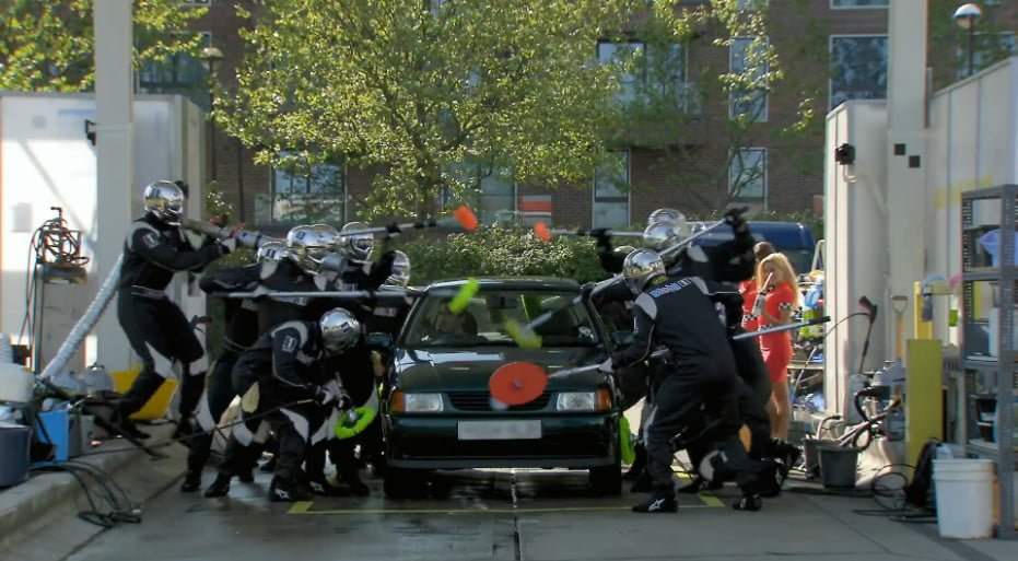 carwash-stunt-ad-with-jenson-button_03