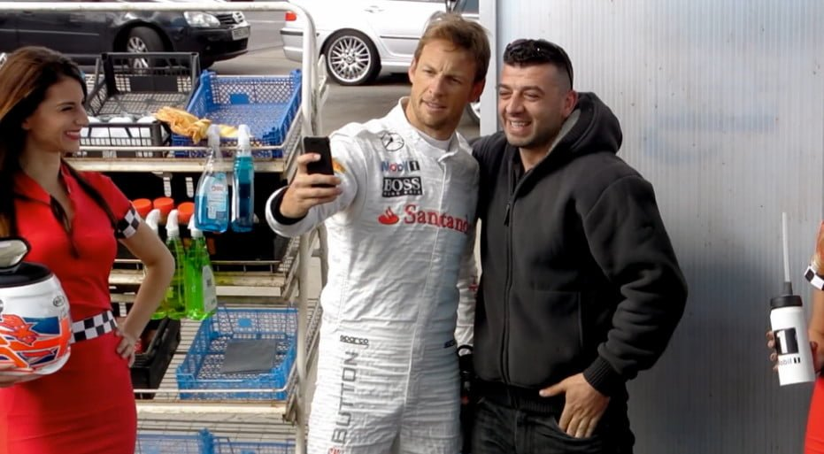carwash-stunt-ad-with-jenson-button_12